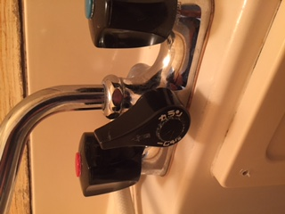 水道修理|札幌市 豊平区 豊平|浴室蛇口の水漏れ修理 ¥3,500税込