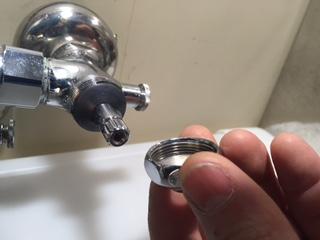 水道修理|札幌市 南区 真駒内南町|洗面台下の水漏れ修理 ¥3,500税込